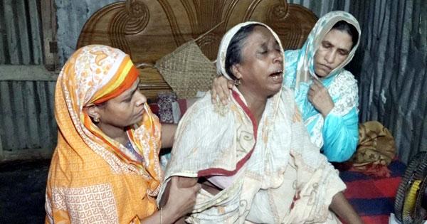 মনোয়ারেরঅকাল মৃত্যুতে ভেঙে পড়েছে বৃদ্ধা মা