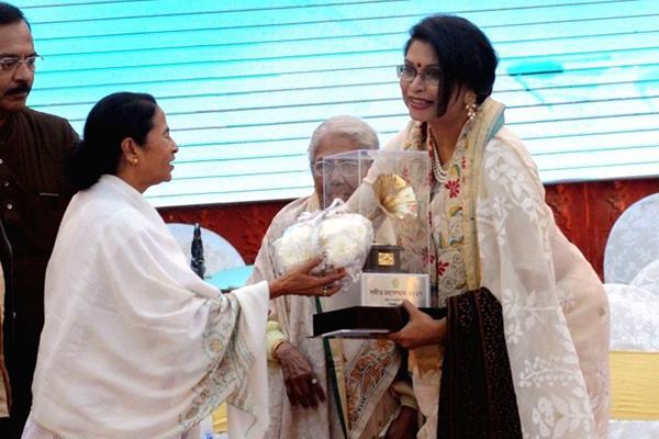 'সঙ্গীত মহাসম্মান' পুরস্কার পেলেনরেজওয়ানা চৌধুরী বন্যা