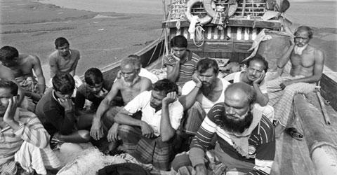 পশ্চিমবঙ্গে আইনি জটিলতায, আটকা পড়েছেন ১৪ বাংলাদেশি জেলে