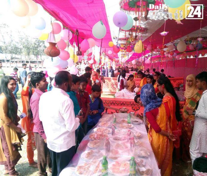 ফরিদপুরের নবকাম পল্লী কলেজে ঐতিহ্যবাহী পিঠা মেলা অনুষ্ঠিত