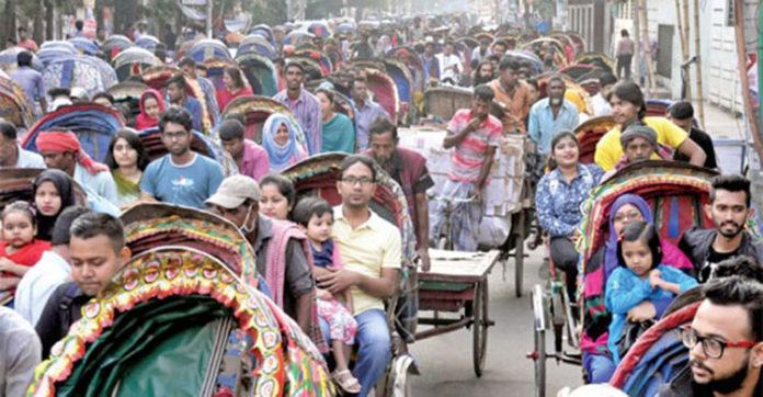 'রাজধানীতে রিকশার লাইসেন্স নিয়ে চলছে জমজমাট বাণিজ্য'