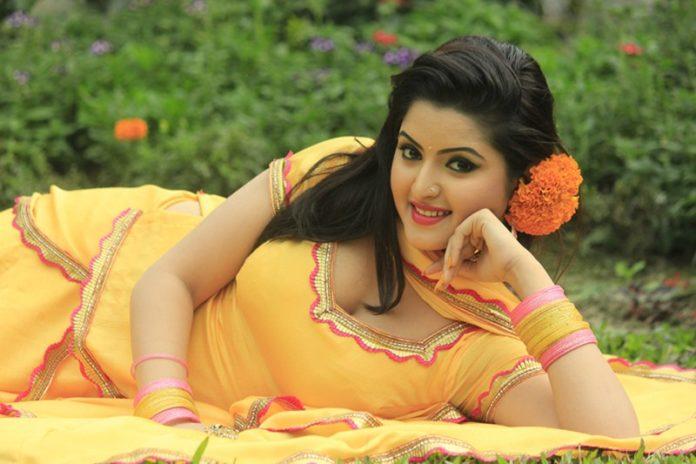 চুক্তিবদ্ধ হয়েও 'ওপারে চন্দ্রাবতী' ছবিতে অভিনয় করছেন না পরীমণি