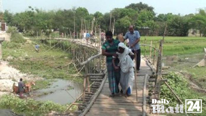 ঝিনাইদহে সাঞ্চাই নদীতে ব্রীজ নেই, ৪০টি গ্রামের মানুষের দুর্ভোগ