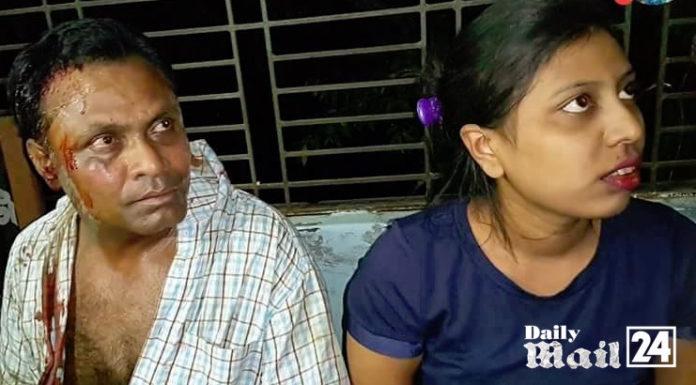 সিরাজদিখানে স্কুলরুমে 'আপত্তিকর' অবস্থায় নারীসহ প্রধান শিক্ষক আট