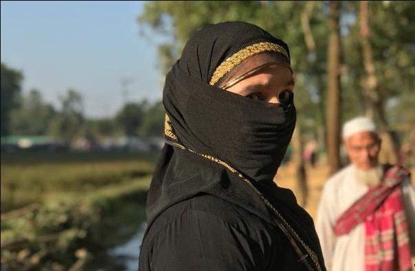 অভাবের কারণেযৌন ব্যবসায়শরণার্থী রোহিঙ্গা নারী