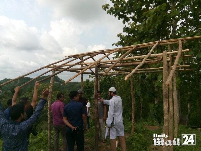 বান্দরবান সরকারি কলেজের জায়গা দখল করে ঘর নির্মাণ