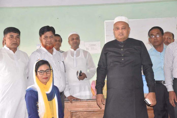 বাবা-মা হারা দুই ছাত্রীর লেখাপড়ার দায়িত্ব নিয়েছেন এম পি বদি