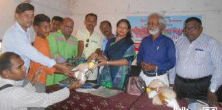 ঝিনাইদহে সুবিধাবঞ্চিত শিশুদের মাঝে ঈদবস্ত্র ও খাদ্যসামগ্রী বিতরণ