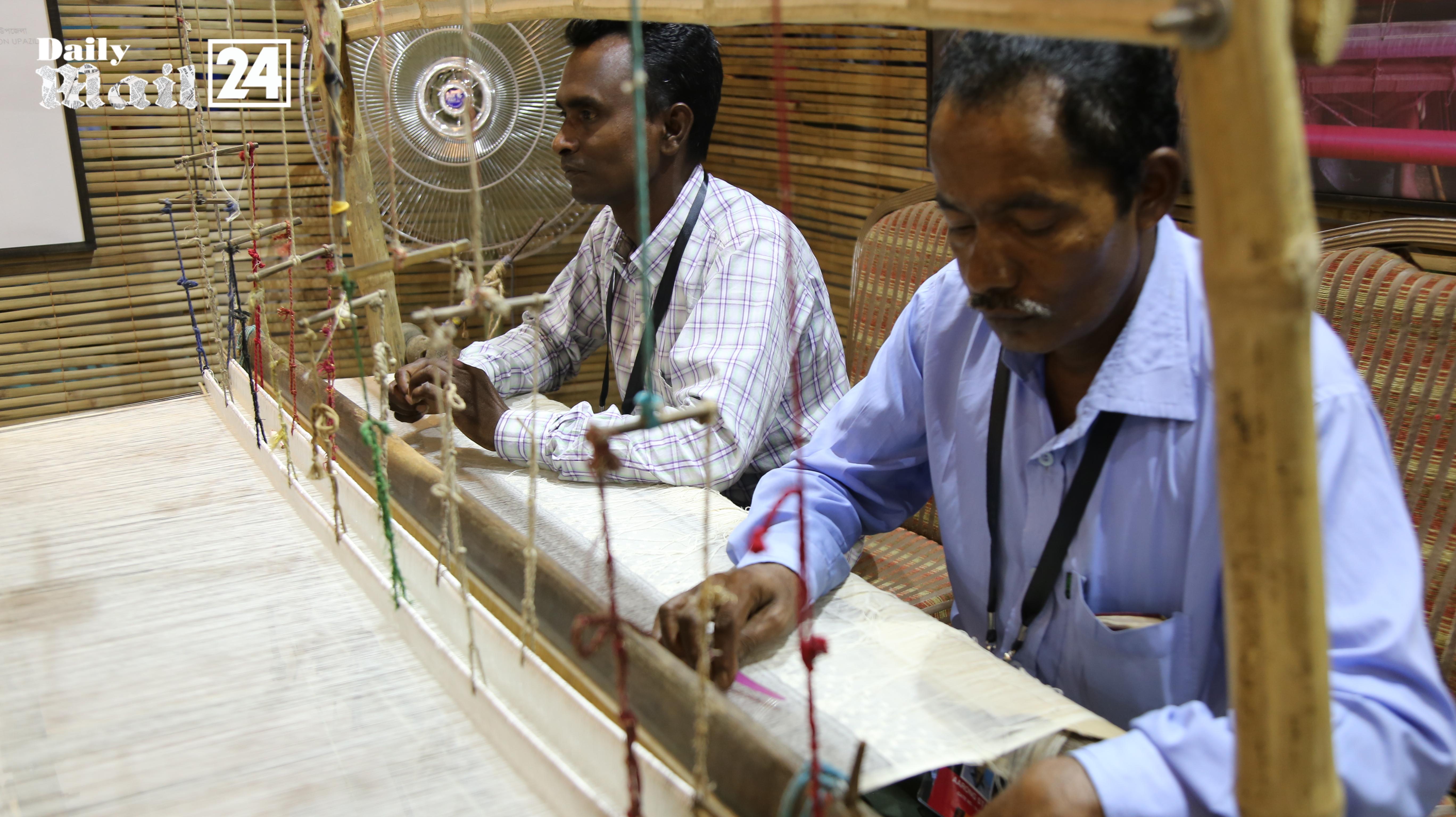 জমজমাট আয়োজনে সুরু হল'আড়ং ফরটি ইয়ার্স ফেস্টিভ্যাল'