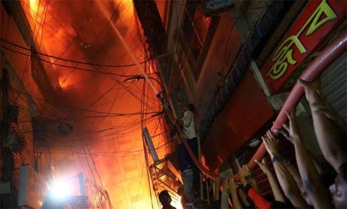 চকবাজারে চুড়িহাট্টা ফের আগুন আতঙ্ক, আহত ১০ মুসল্লি