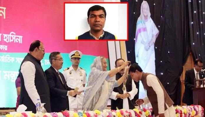 'একজন ট্রাকচালক হয়ে প্রধানমন্ত্রীর হাত থেকে শিক্ষা পদক পাব স্বপ্নেও ভাবিনি'