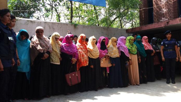 গোপন বৈঠকের সময় জামায়াতে ইসলামীর ৪৮ নারী নেতাকর্মীকে আটক