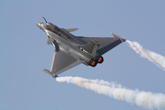 চীন-পাকিস্তানকে ঠেকাতে ভারতীয় বিমান বাহিনীর হাতে আসছে ভয়ঙ্কর যুদ্ধবিমান