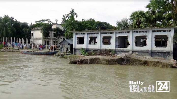 ফরিদপুরে আড়িয়াল খাঁ'র ভাঙ্গন, দিশেহারা নদী পাড়ের মানুষ