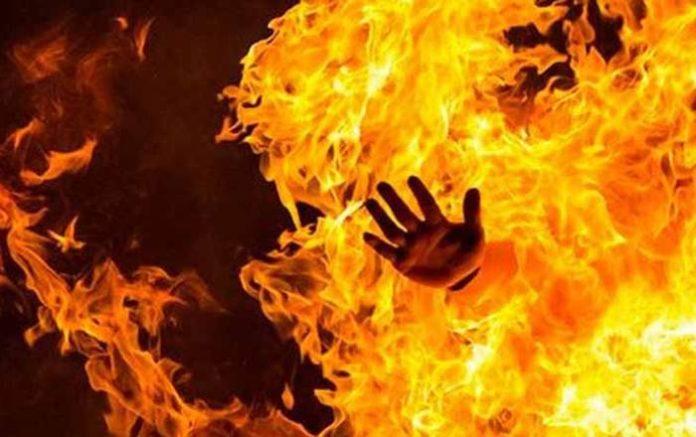 দিনাজপুরে আগুনে পুড়ে ১০ মাসের শিশুর মর্মান্তিক মৃত্যু