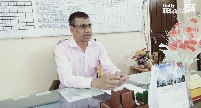 উলিপুর উপজেলা প্রাণি সম্পদ অফিস পরিদর্শন করেন ডঃ অমিতাভ চক্রবর্তী