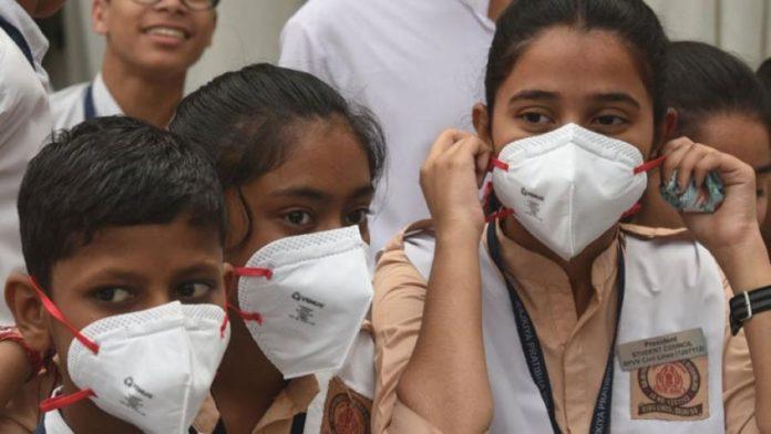 দিল্লিতেবায়ুদূষণেজরুরি অবস্থা জারি, স্কুল বন্ধ ঘোষণা করেছে রাজ্য সরকার