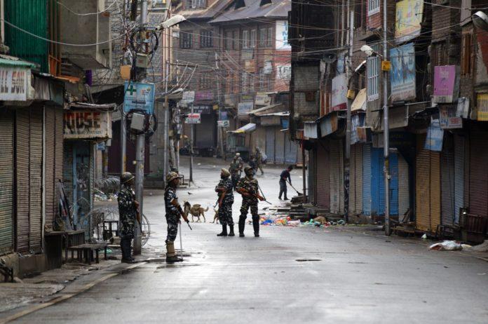 ভারত নিয়ন্ত্রিত জম্মু-কাশ্মীরে যৌথ বাহিনীর অভিযানে ২ জঙ্গি নিহত
